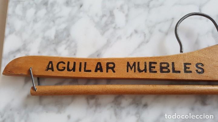 Antigüedades: ANTIGUA PERCHA CON NUMERO DE PATENTE AGUILAR MUEBLES CORDOBA - Foto 3 - 99188987