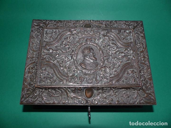Antigüedades: ,,,JOYERO LABRADO BRONCE BAÑO DE PLATA,,,23 x 16 x 11 cm.,,, - Foto 5 - 99192459