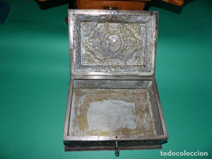 Antigüedades: ,,,JOYERO LABRADO BRONCE BAÑO DE PLATA,,,23 x 16 x 11 cm.,,, - Foto 6 - 99192459