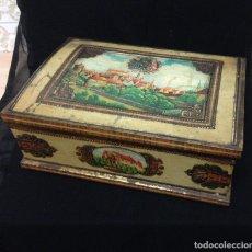 Antigüedades: ANTIGÜA Y BONITA CAJA EN LATÓN CON ADORNOS DORADOS. Lote 99198043