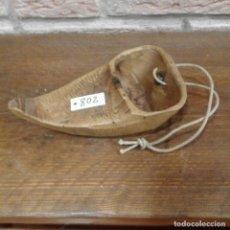 Antigüedades: ANTIGUA ZOQUETA DE SEGADOR. Lote 99240995