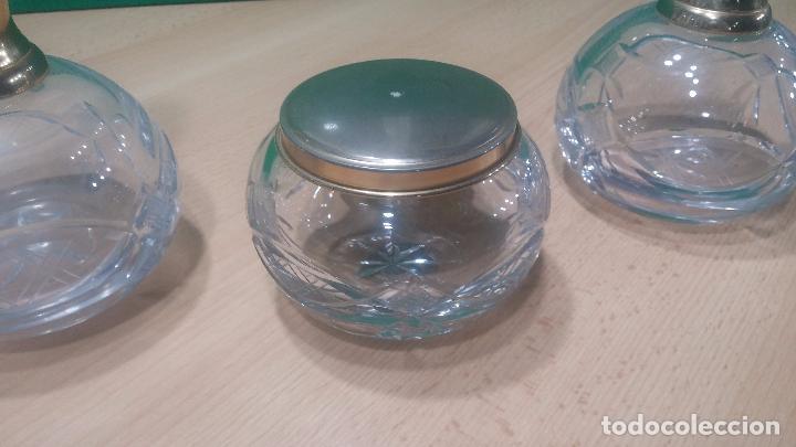 Antigüedades: Tres frascos de cristal grueso y pesado, lo tapones son de cristal macizo, parecen antiguos - Foto 24 - 99256303