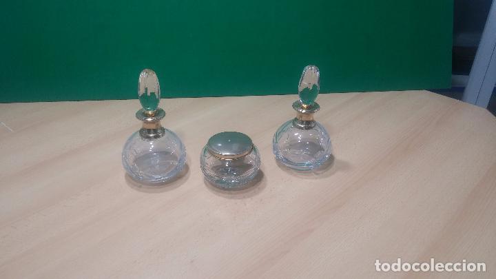 Antigüedades: Tres frascos de cristal grueso y pesado, lo tapones son de cristal macizo, parecen antiguos - Foto 26 - 99256303
