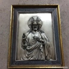 Antigüedades: CUADRO DE CRISTO CON RELIEVE EN ALPACA.ANTIGUO . Lote 99322295
