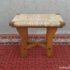 Antigüedades: SILLA DESCALZADORA ANTIGUA DE ENEA, TABURETE DESCALZADOR ANTIGUO, BANQUETA DESCALZADORA RÚSTICA. Lote 99349127