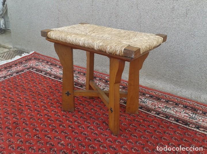 Antigüedades: silla descalzadora antigua de enea, taburete descalzador antiguo, banqueta descalzadora rústica - Foto 4 - 99349127