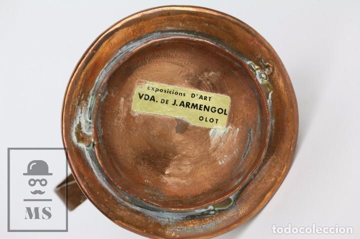 Antigüedades: Pareja de Medida para Líquidos y Olla Decorativas - Cobre Martillado - Vda. de J. Armengol, Olot - Foto 5 - 109773107