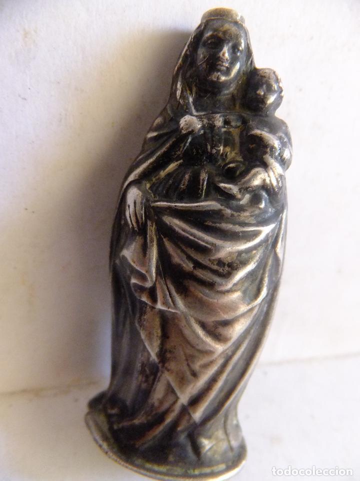 Antigüedades: Pequeño retablo en chapa de la Virgen del Pilar y figura de la imagen en plata. - Foto 6 - 99484871