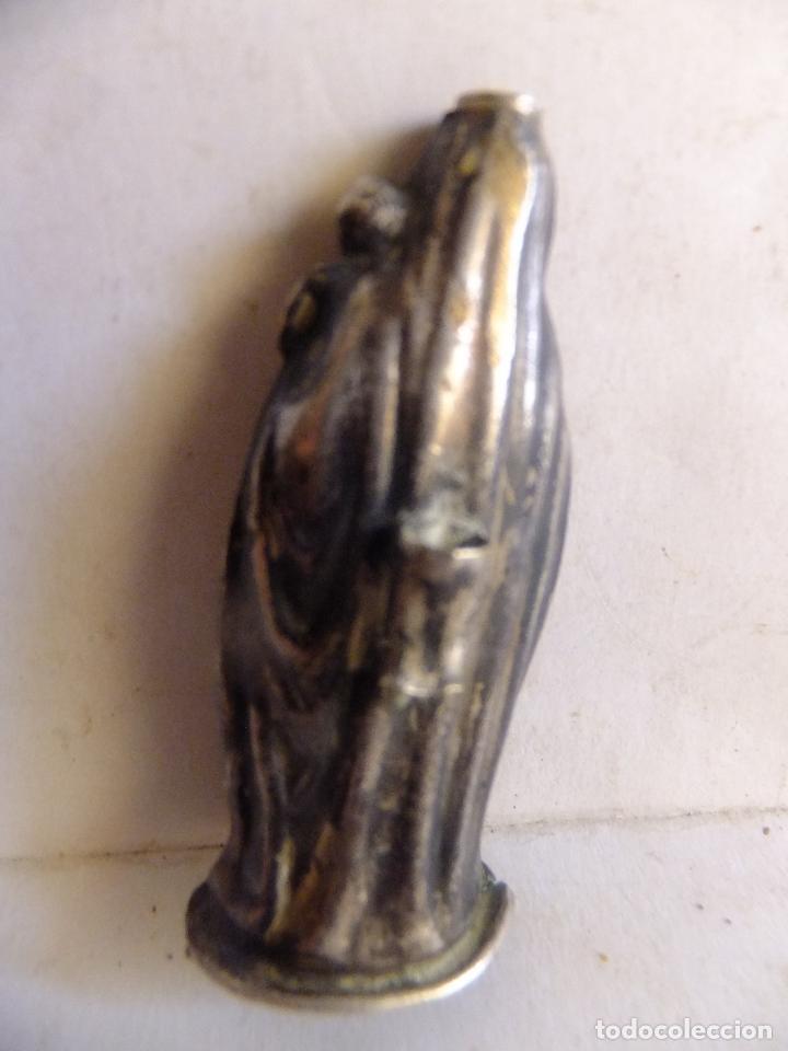 Antigüedades: Pequeño retablo en chapa de la Virgen del Pilar y figura de la imagen en plata. - Foto 7 - 99484871