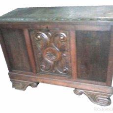 Antigüedades: TAQUILLON BAÚL CASTELLANO TALLADO . Lote 99494383