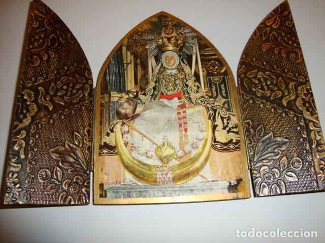 ANTIGUA CAPILLA DE MESA SOBRE MADERA DIMENSIONES ABIERTA 20 X 15 CM (Antigüedades - Religiosas - Varios)