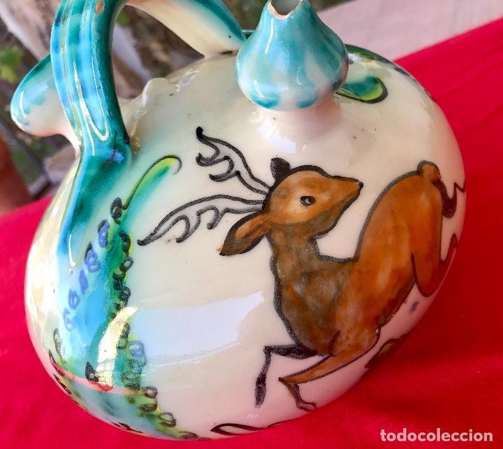 Antigüedades: Botijo de cerámica puente del arzobispo DeL mazo motivos ciervo caza 21x21 aproximadamente - Foto 15 - 99579483