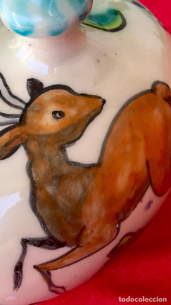 Antigüedades: Botijo de cerámica puente del arzobispo DeL mazo motivos ciervo caza 21x21 aproximadamente - Foto 21 - 99579483