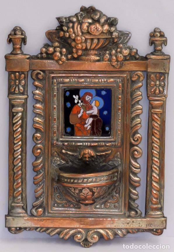 PLAFON BENDITERA EN COBRE PLATEADO Y REPUJADO CON ESMALTE CENTRAL DE SAN JOSE Y NIÑO. SIGLO XIX (Antigüedades - Religiosas - Benditeras)