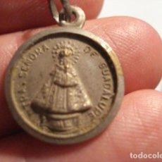 Antigüedades: BONITA MEDALLA RELIGIOSA - VIRGEN DE GUADALUPE - SIGLO XX - MIRA OTRAS EN VENTA. Lote 99696011