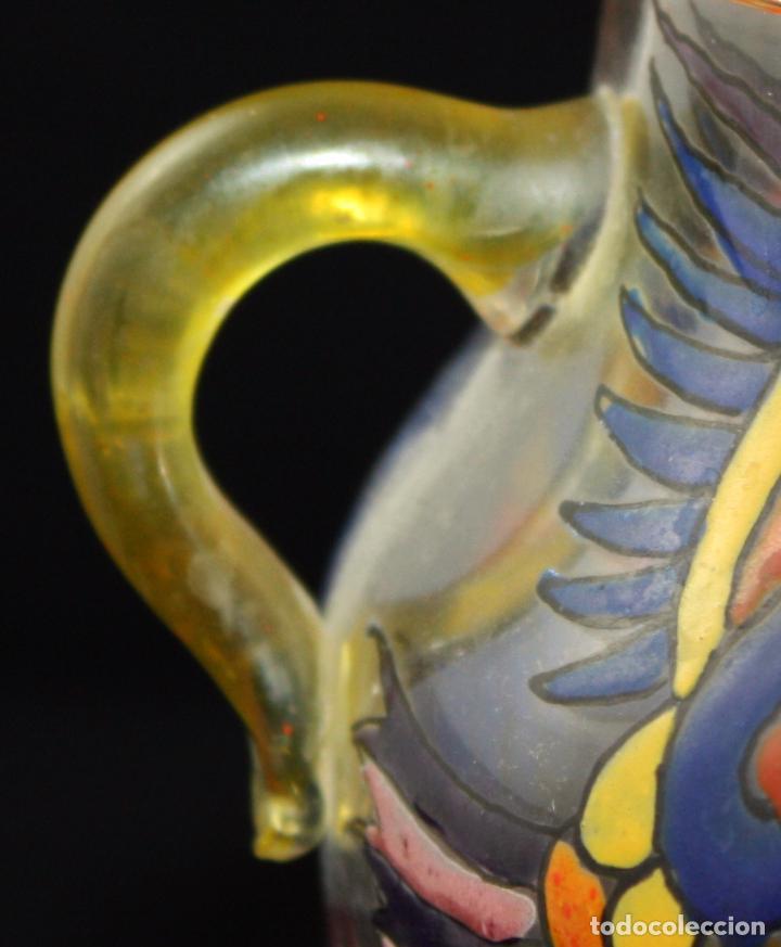 Antigüedades: BONITO JARRON EN CRISTAL PINTADO A MANO. FIRMA ILEGIBLE. AÑOS 40 - Foto 8 - 99713095