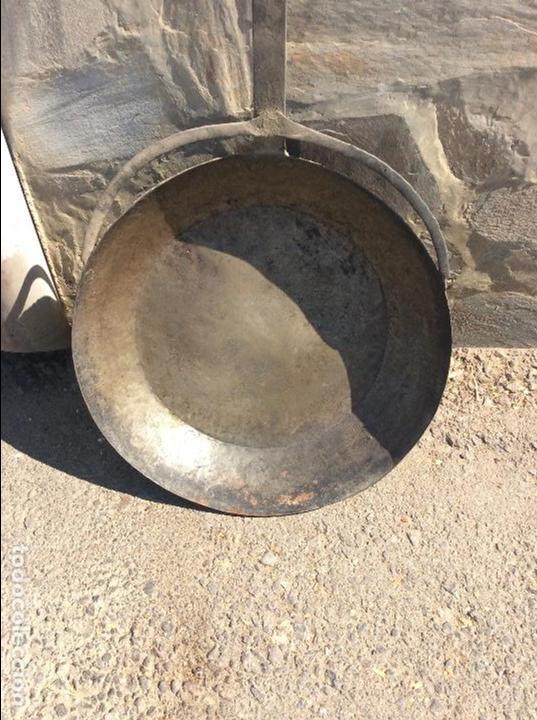 Antigüedades: Sartén muy grande 120 centímetros larga total y 49 de diámetro - Foto 2 - 99735035