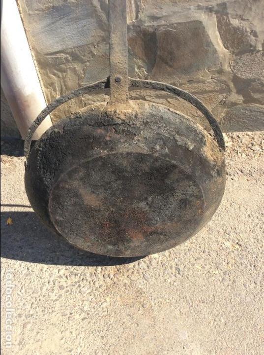 Antigüedades: Sartén muy grande 120 centímetros larga total y 49 de diámetro - Foto 3 - 99735035