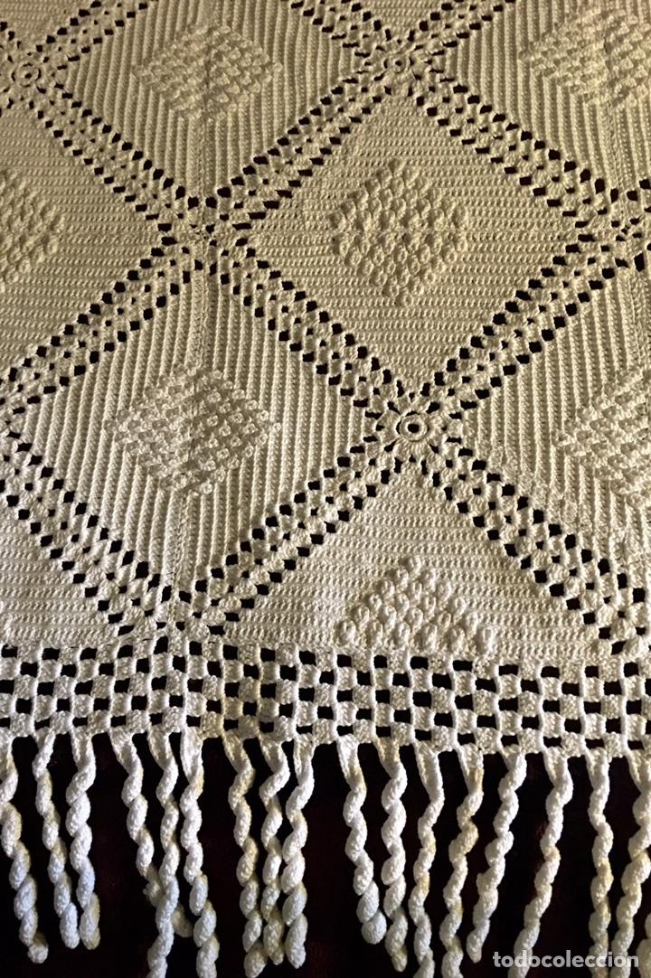 Antigüedades: Muy bonita colcha hecha a mano de crochet -cama individual - Foto 2 - 99741391