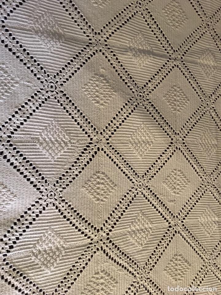 Antigüedades: Muy bonita colcha hecha a mano de crochet -cama individual - Foto 5 - 99741391