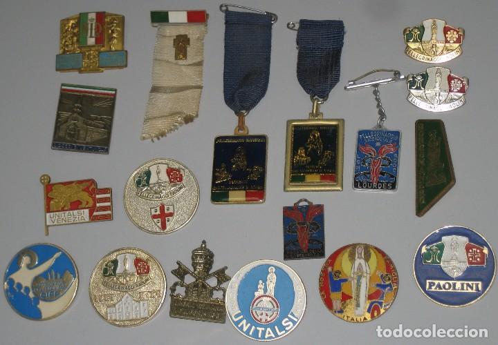 LOTE MEDALLAS INSIGNIAS CHAPAS ITALIA PEREGRINACIÓN LOURDES (Antigüedades - Religiosas - Varios)