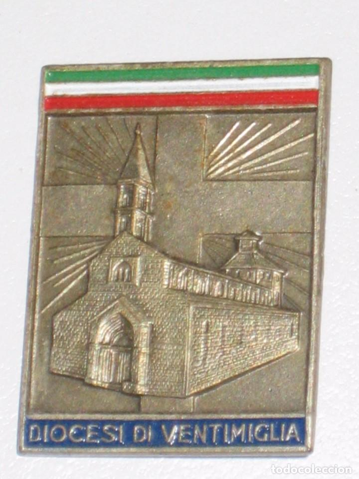Antigüedades: LOTE MEDALLAS INSIGNIAS CHAPAS ITALIA PEREGRINACIÓN LOURDES - Foto 4 - 99910111