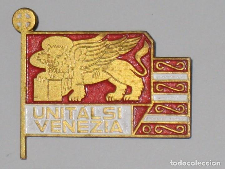 Antigüedades: LOTE MEDALLAS INSIGNIAS CHAPAS ITALIA PEREGRINACIÓN LOURDES - Foto 6 - 99910111