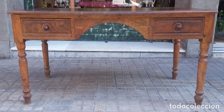 Antigüedades: MESA ESCRITORIO DOS SOCIOS. MADERA DE NOGAL. ESPAÑA. SIGLO XIX. - Foto 14 - 99920223