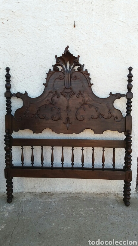 CABECERO DE MADERA DE CASTAÑO REBAJADO (Antigüedades - Muebles Antiguos - Camas Antiguas)