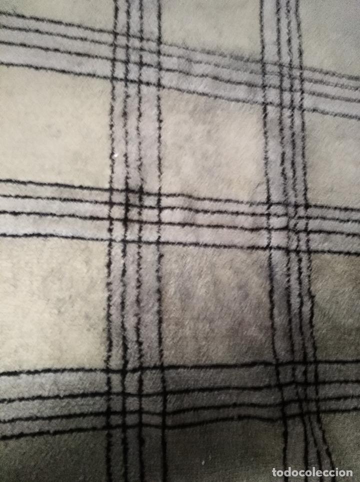 Alfombra de nudo lana grande dibujo geometri comprar - Limpieza de alfombras de lana ...