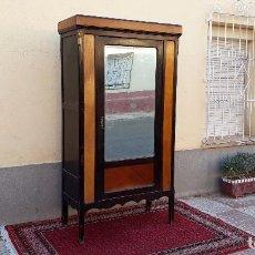 Antigüedades - Armario antiguo estilo modernista. Armario antiguo con espejo estilo art decó, mueble armario ropero - 100104347