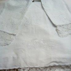 Antigüedades: * ANTIGUA SABANA DE ALGODON BORDADA A MANO. 2,15 M. Lote 100140764