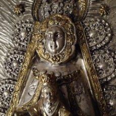 Antigüedades: VIRGEN DEL ROCIO- IMITACION METAL. Lote 100164636