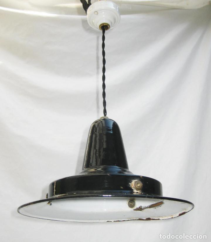 Antigüedades: RARA LAMPARA ANTIGUA INDUSTRIAL HIERRO PORCELANICO EGSA - Foto 3 - 100197707