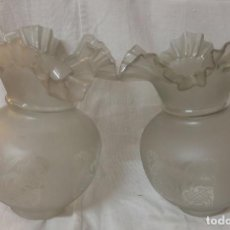 Antigüedades: PAREJA DE TULIPAS PARA QUINQUE - GRABADAS AL ACIDO.. Lote 100240703