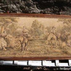 Antigüedades: PAREJA DE TAPICES ESCENAS COSTUMBRISTAS MEDIDA 96 X 48 CM. BUEN ESTADO. Lote 100253983