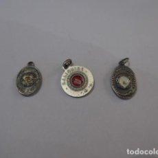 Antigüedades: * LOTE DE 3 ANTIGUO RELICARIO O MEDALLA CON RELIQUIA RELIGIOSA. ORIGINAL. LOTE 6. ZX. Lote 100301347