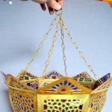 Antigüedades: LAMPARA ÁRABE DE CRISTALES DE COLORES, LATÓN. Lote 100322859