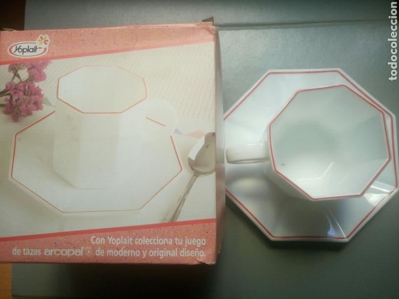 Antigüedades: Taza de desayuno y plato arcopal yoplait años 80 nuevo en su caja - Foto 2 - 100323047