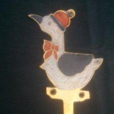 Antigüedades: COLGADOR EN BRONCE PINTADO. Lote 100325147