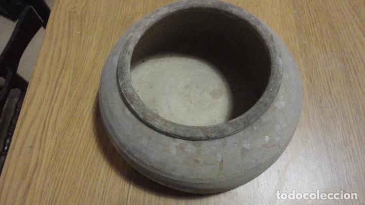 Antigüedades: ANTIGUO COMEDERO DE AVES.BARRO COCIDO.ALFARERIA POPULAR.CATALUÑA.AÑOS 40,50 - Foto 2 - 100338223