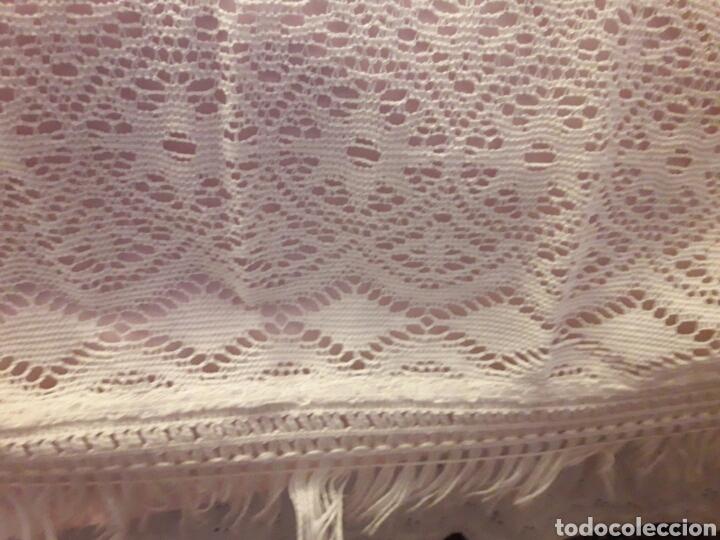 Antigüedades: Cubre camas precioso muy antiguo años 60 de encaje - Foto 6 - 101346450