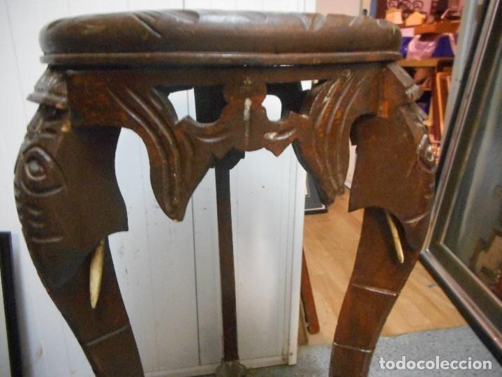 Antigüedades: antigua mesa mesita velador de procedencia indu patas elefante con colmillo marfil - Foto 3 - 100425635