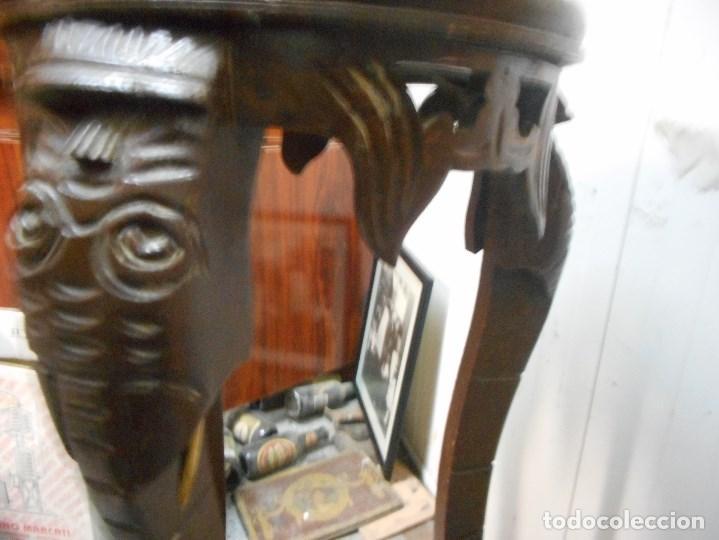 Antigüedades: antigua mesa mesita velador de procedencia indu patas elefante con colmillo marfil - Foto 4 - 100425635