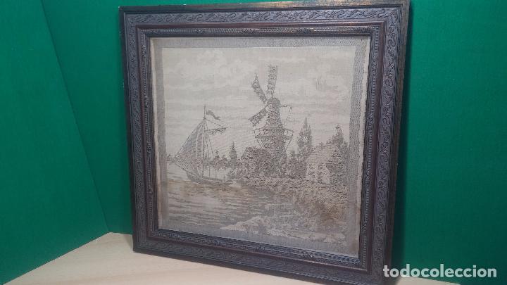 Antigüedades: Antiguo cuadro tapiz con un velero , con un marco en madera precioso - Foto 3 - 100473571