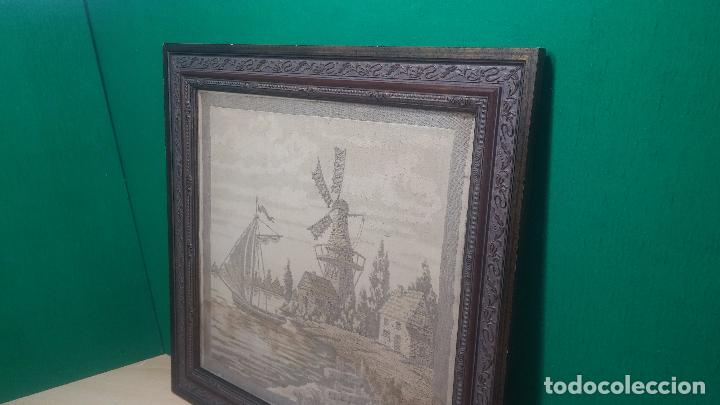 Antigüedades: Antiguo cuadro tapiz con un velero , con un marco en madera precioso - Foto 4 - 100473571