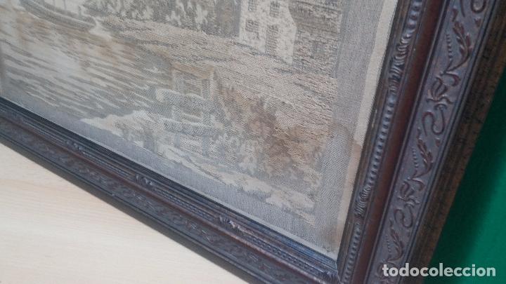 Antigüedades: Antiguo cuadro tapiz con un velero , con un marco en madera precioso - Foto 6 - 100473571
