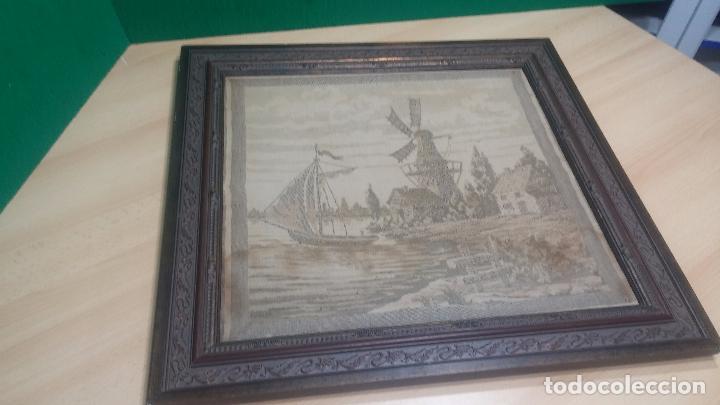 Antigüedades: Antiguo cuadro tapiz con un velero , con un marco en madera precioso - Foto 10 - 100473571