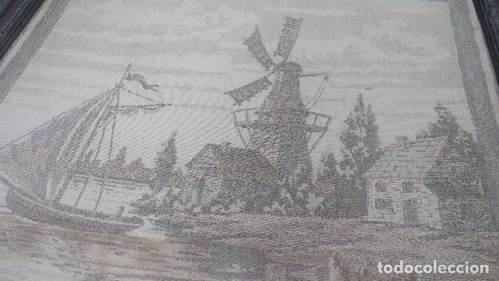 Antigüedades: Antiguo cuadro tapiz con un velero , con un marco en madera precioso - Foto 12 - 100473571