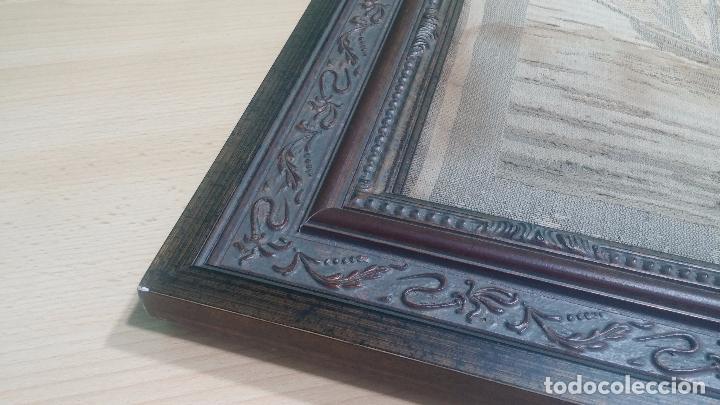 Antigüedades: Antiguo cuadro tapiz con un velero , con un marco en madera precioso - Foto 15 - 100473571